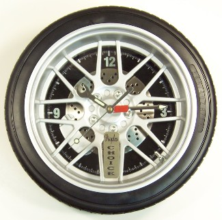 Click here for larger image of this 14 inch diameter tire clock.
